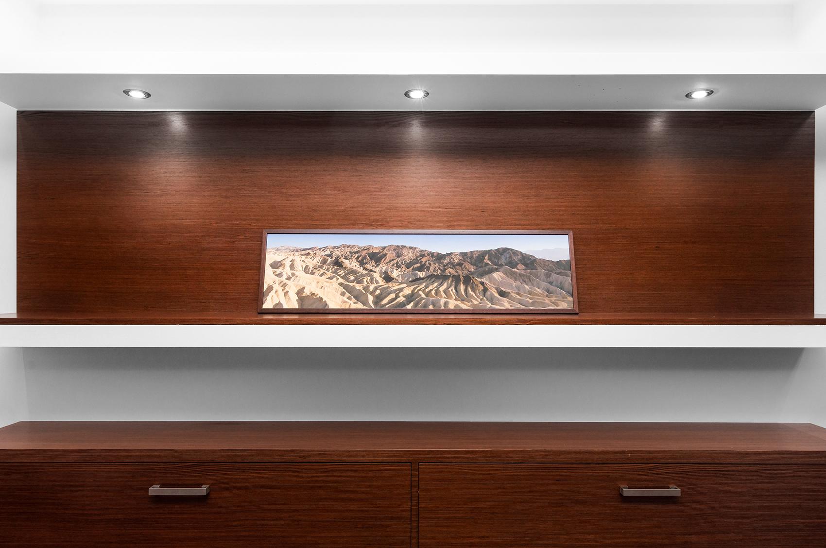 Zdjęcie wnętrza - Obraz gór na wiszącej półce
